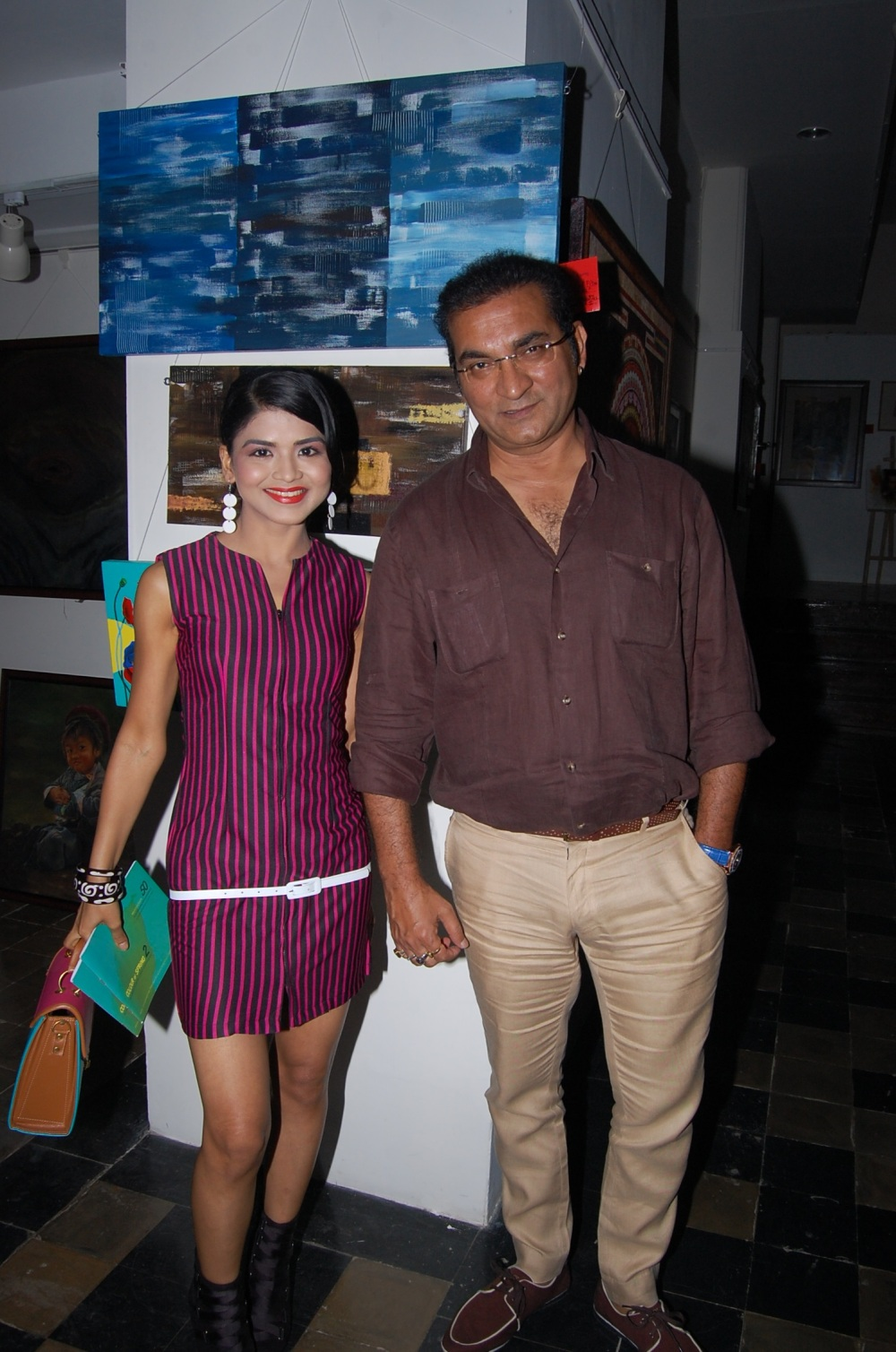 artist-n-actress-rashmi-pitre-with-singer-abhijeet-bhattacharya